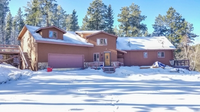 5 Bedroom Cabin near Snowmobiling and Recreation