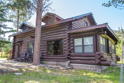 Log Cabin Near Sylvan Lake - Hill City