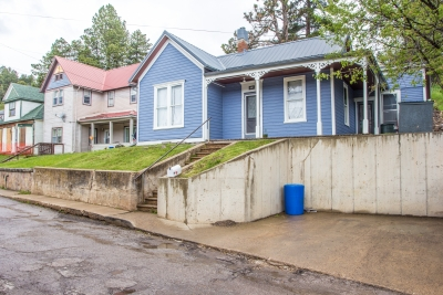2 Bedroom Lead Home with Off-Street Parking