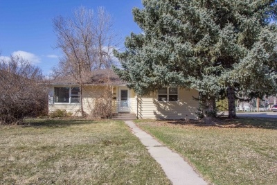 2 bedroom home in Spearfish next to Salem Park