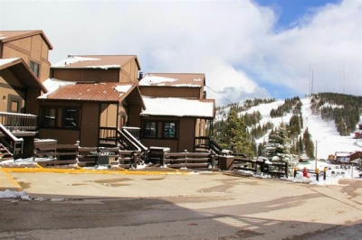 3 Bedroom Timeshare across from Terry Peak!