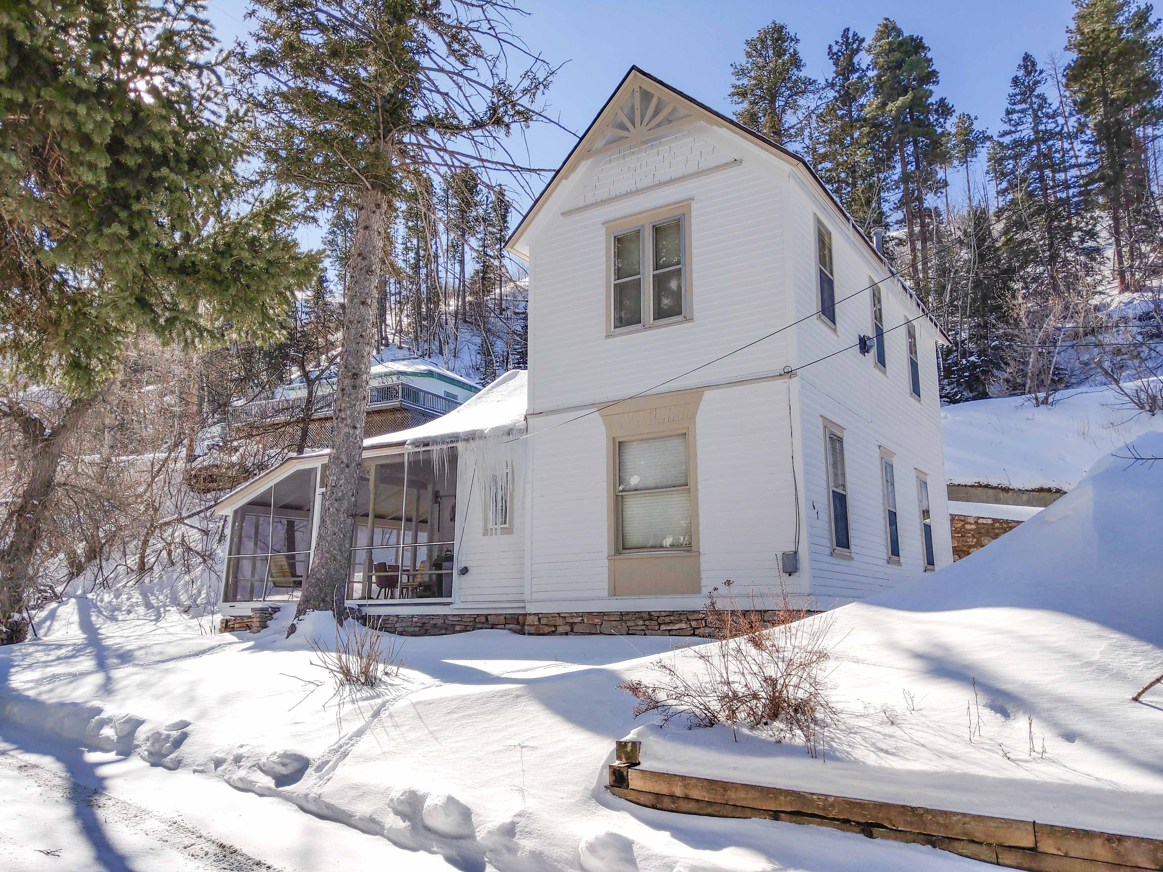Cool Deadwood Home with 4 Bedrooms