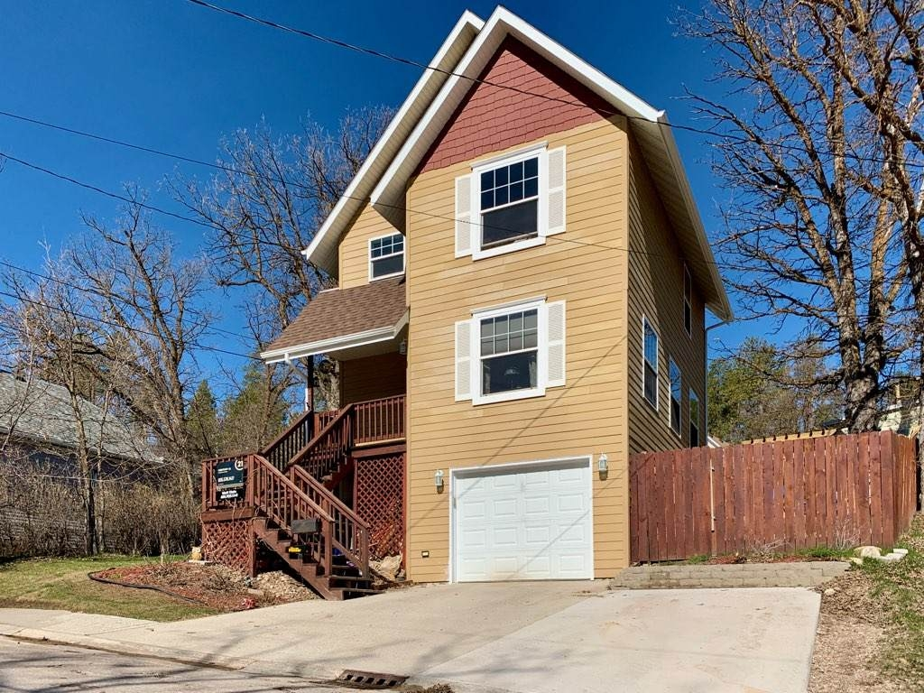 Newer Deadwood Home - 3 bed, 2 bath