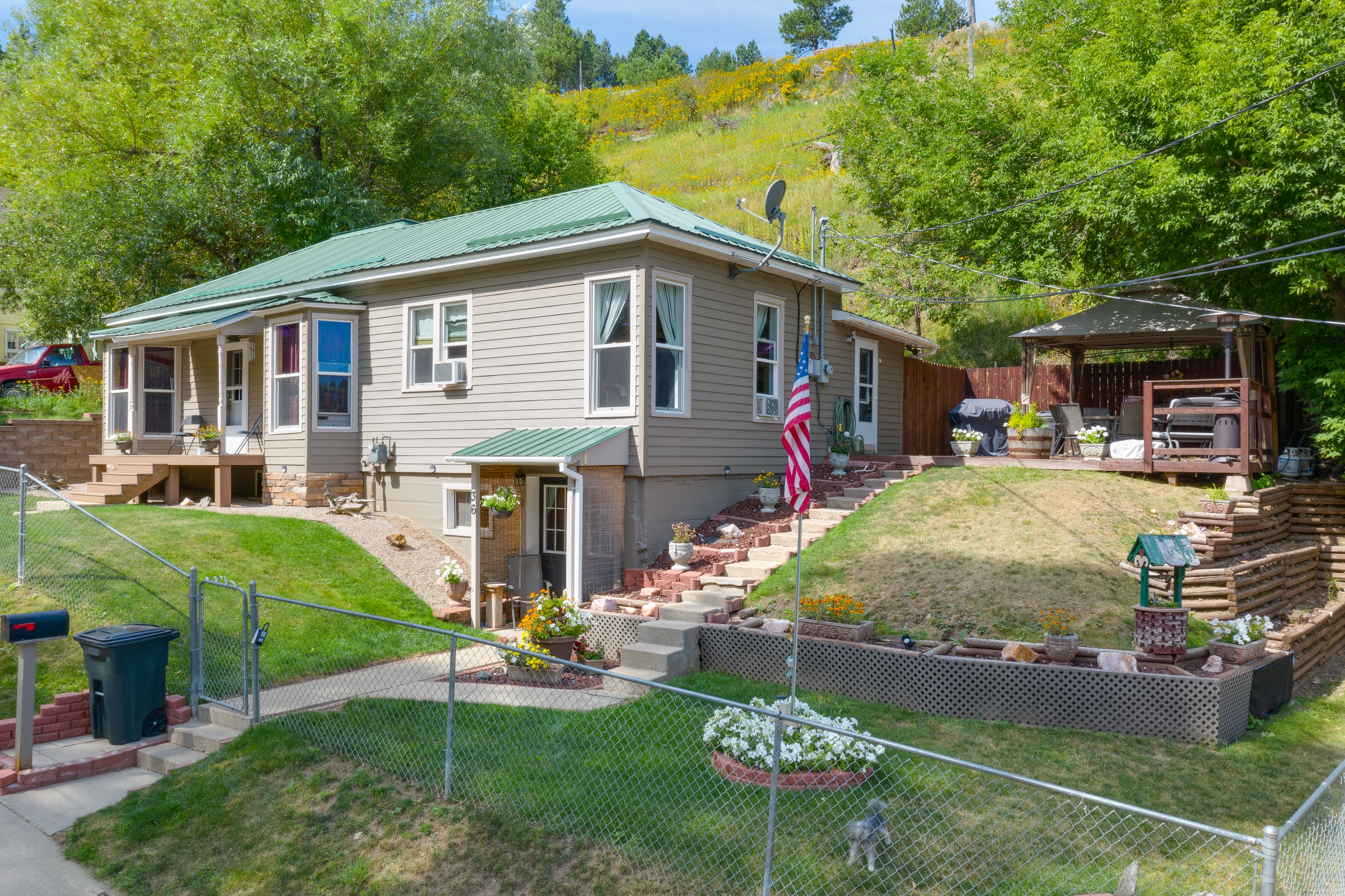 4 Bedroom home in Deadwood with 3 Car Garage